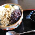 山里 - 黒みつとバニラアイスのクリームあんみつにきなこかけ