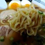 九州とんこつの うま馬 - 麺 アップ!