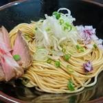 麺処 晴 - 和え玉・醤油 200円