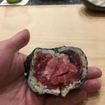 初音鮨 - 鮪の太巻き