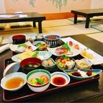 食彩 花菖蒲 - 花菖蒲御膳とうなぎ刺身セット