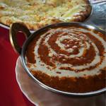 マハラジャ - 料理写真:Aセット。日替わりカレー&AKBナン(プレーンナンを変更)