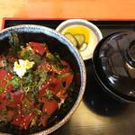 かつ田 - 近海マグロ丼セット