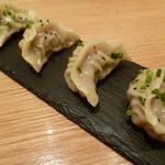 JASMINE憶江南 - 上海屋台の焼き餃子
