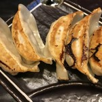 麺家 德 - ぎょうざ