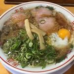 丸岡商店 - 中華そば<並>(650円)