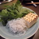 68726768 - 白滝・焼き豆腐・春菊