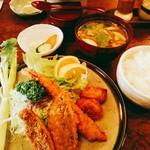 松村 - 海の幸フライ定食 1340円(税別)