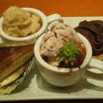 う~みや うーちばる - 琉球黒酢はちみつりんごアイス(左上) 紅芋タルト(右上) 泡盛焙煎ティラミス(左下) 紅芋アイス(右下)