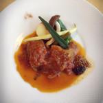 ル・ポタージュ - 仔羊の煮込み。ホロリと崩れ、マスタードも美味しいです。