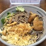 更科 - 岐阜の夏にはとても良く似合う、冷やしタヌキ蕎麦