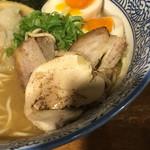 麺匠春晴 - 特製 濃厚煮干し鶏白湯ラーメン(´∀`)麺大 チャーシュー