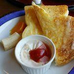 ぷろばんす - トーストとハムと卵のココット