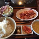 68737775 - ランチの焼肉定食¥1280