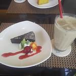 カフェ ロハス - 料理写真:ケーキセット 750円