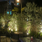 BISTRO FAVORI - 夜のテラス