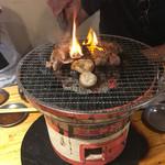 ホルモンすず - 炭火七輪