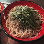 寺方蕎麦 長浦 - たっぷりの海苔と黒胡麻が乗っています