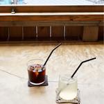 南町テラス - アイスコーヒー 島レモンスカッシュ
