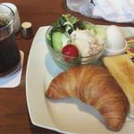 68751737 - モーニングサラダセット アイスコーヒー 560円