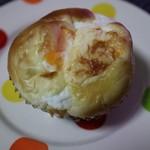 わたなべパン - 料理写真:ラジウム玉子パン(210円)