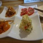 笑い処 MICHI - 4種の手作り惣菜は野菜たっぷり