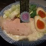 だしと麺 - とろとろ鶏と鯛の熟玉そば