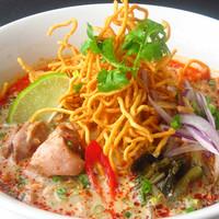 タイ ベトナム料理 GreeN - 自家製カレーのカレーラーメン