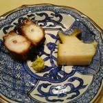 68756144 - 相ノ島の鮑、関門の蛸