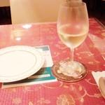 68756840 - 「グラスワイン」(480円)