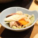 博多華味鳥 - ポン酢で頂きます。