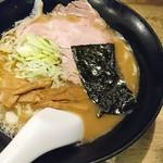 ラーメンヨシベー - ヨシベーラーメン醤油(確か650円)