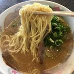 山さんラーメン - 味噌ラーメン リフトアップ