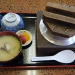 牟田商店 - アサリ釜めし定食(配膳時)