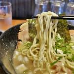 らー麺 鉄山靠 - 麺リフト