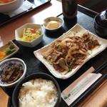 68768707 - 生姜焼き定食