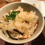 小田原おでん本店 - おでんの出汁で炊いた茶飯