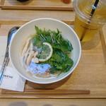 COMPHO - 鶏フォーセット¥500-ジャスミンティー