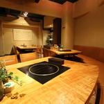 肉料理とワイン YUZAN - 奥のお部屋は、5名様~18名様までの個室としてお使いいただけます。