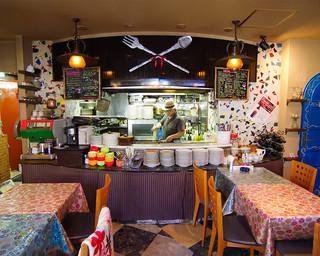 トラットリーア・ケイ・イタリアーノ - 厨房やシェフの顔が見えるので安心