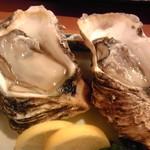 肴菜家徳坊 - 料理写真:岩牡蠣(2個・880円)