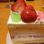 68781306 - ショートケーキ