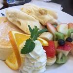 カフェ プティパ - ふわふわフルールパンケーキ