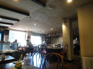 カフェ GOTO - レトロな店内
