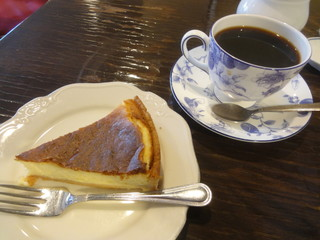 カフェ GOTO - ブレンド+チーズケーキ