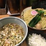 銀座 朧月 - 魚介つけ麺 玉ねぎ増し  (3年振りの訪問。やはり濃厚つけ麺の方が好み)