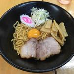 一平ソバ - 「一平ソバ 並」570円+「トッピング卵(生)」60円