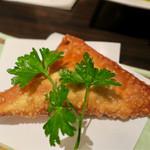 居酒家 Bistro ちゃぶや - 「ゴボウとチーズのパイ包み」(280円)