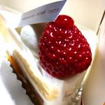 Patisserie SOIR - 生クリームの甘さが丁度いいショートケーキ