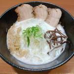 68790058 - 鶏白湯塩ラーメン(750円)